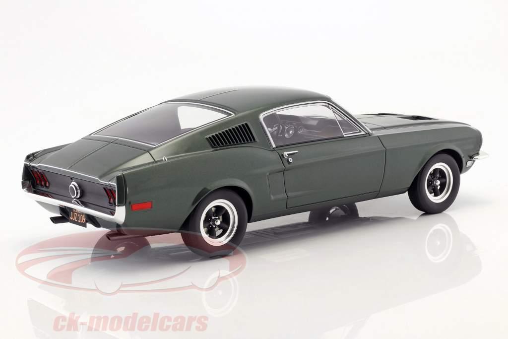 Ford Mustang GT Steve McQueen film Bullitt (1968) verde scuro 1:12 GT-Spirit