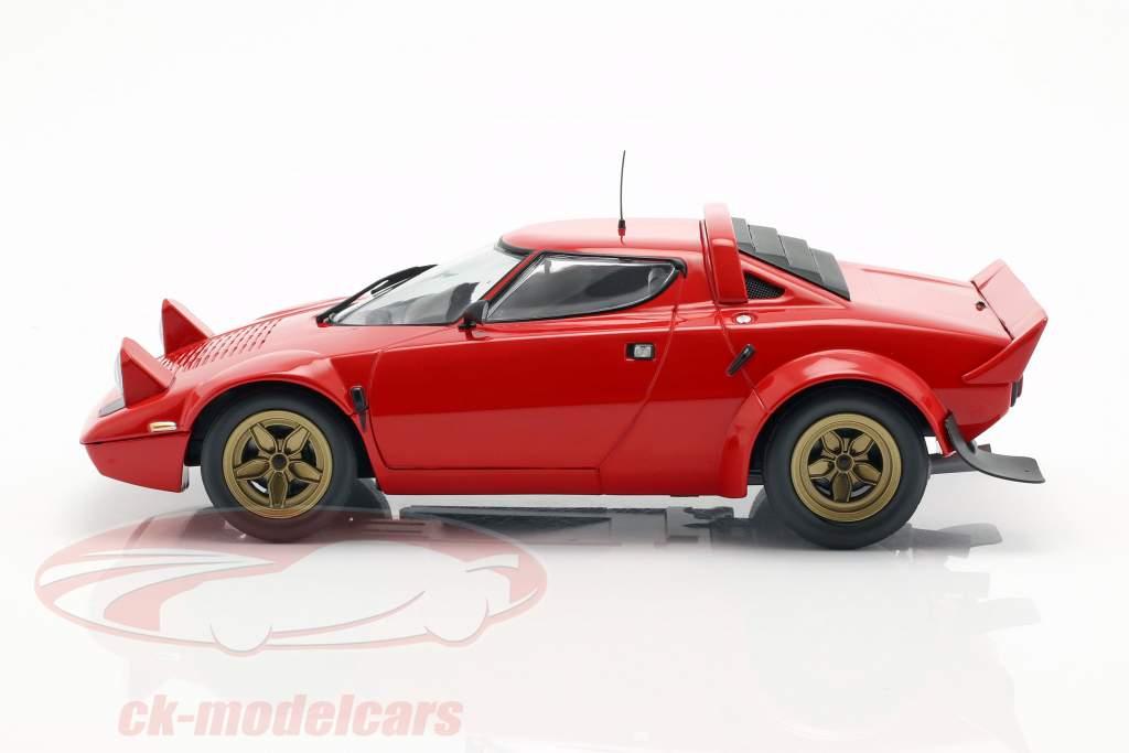 Lancia Stratos Baujahr 1974 rot 1:18 Minichamps