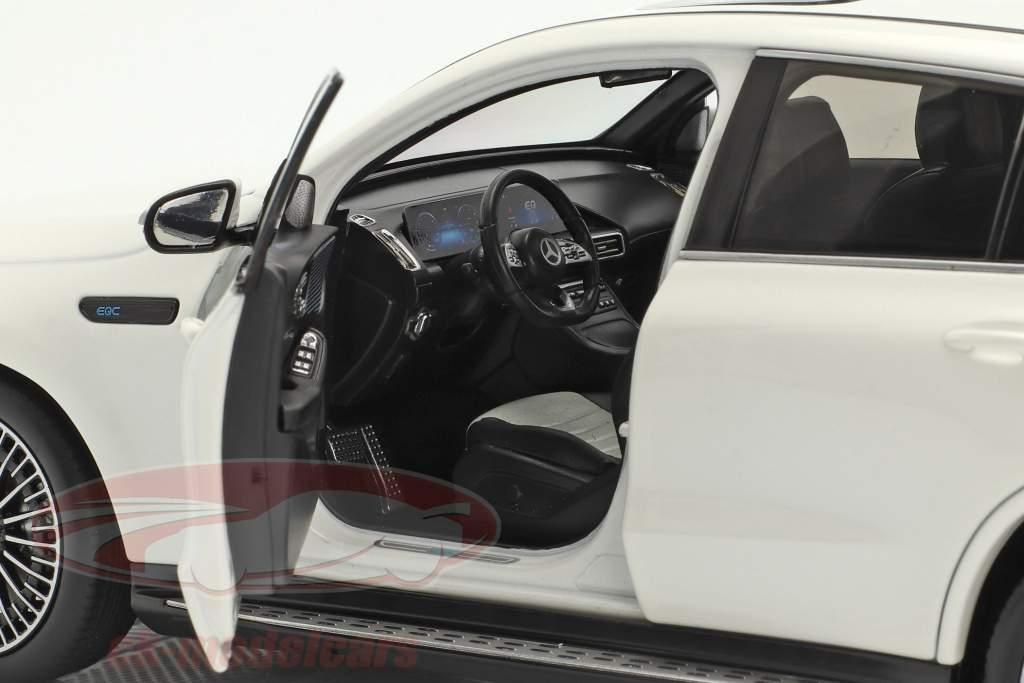 Mercedes-Benz EQC 4Matic (N293) año de construcción 2019 diamante blanco 1:18 NZG