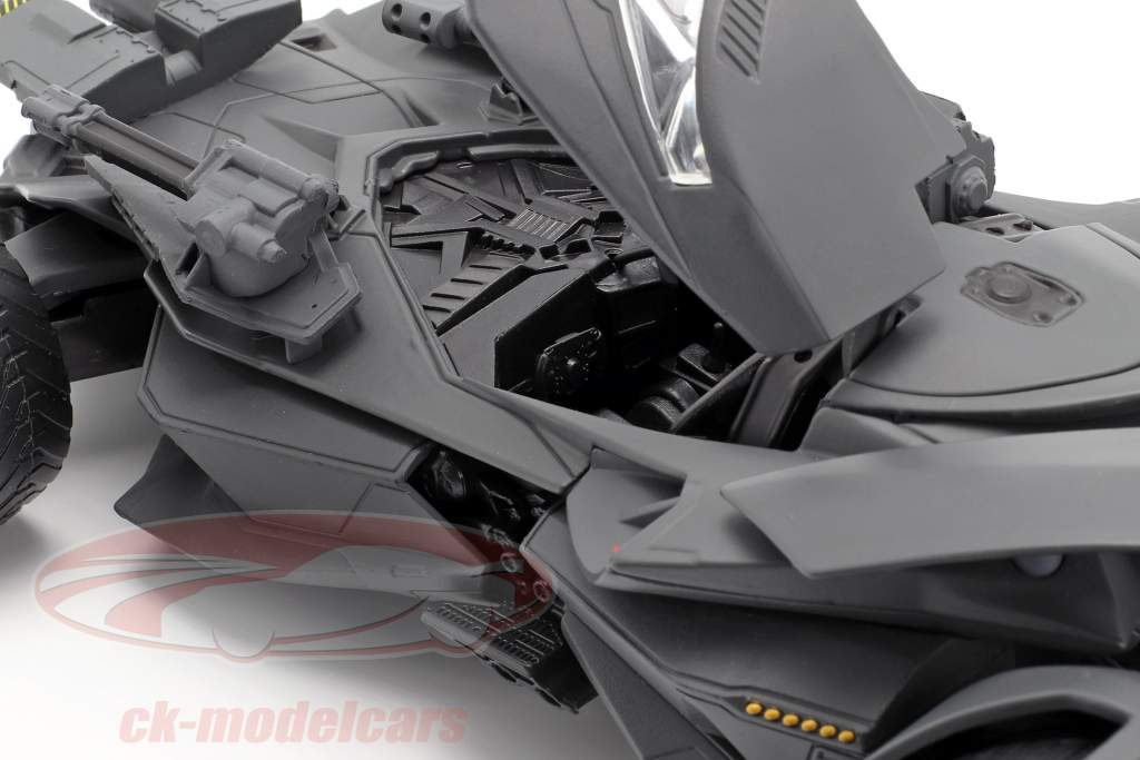 Batmobile with Batman figure movie Justice League (2017) Gray 1:24 Jada Toys