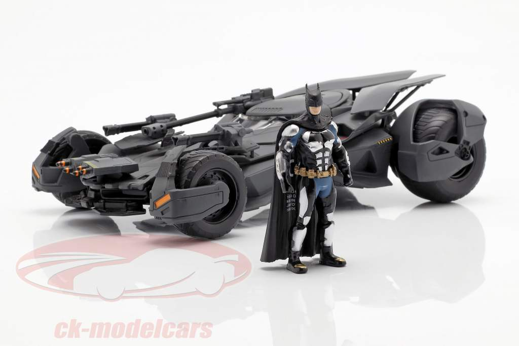 Batmobile con Batman cifra film Justice League (2017) grigio 1:24 Jada Toys