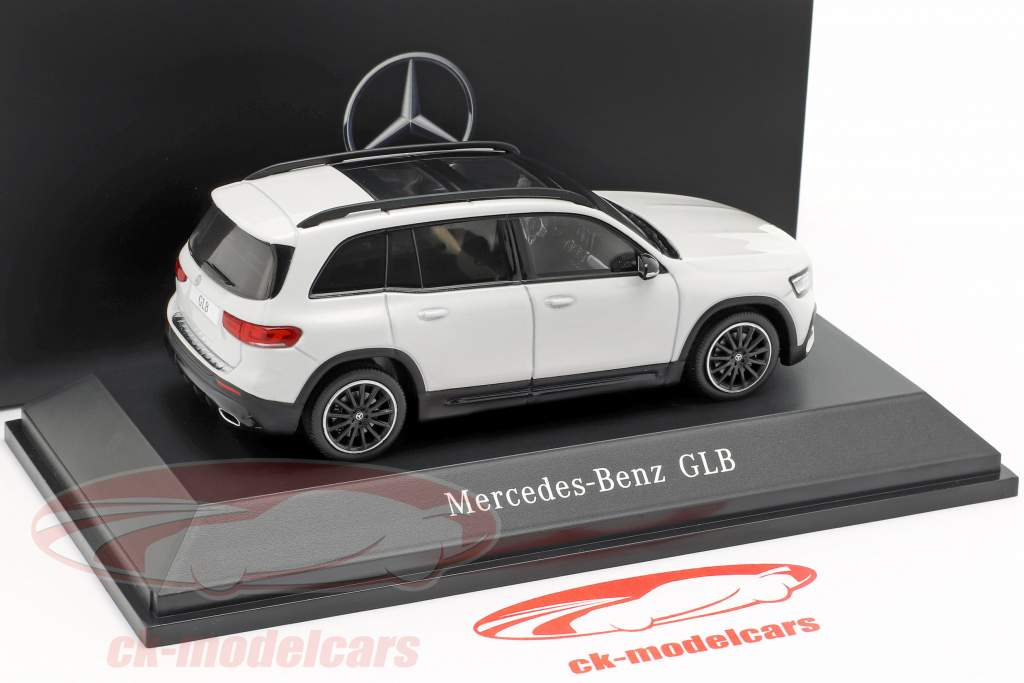 Mercedes-Benz GLB (X247) ano de construção 2019 digital branco 1:43 Spark