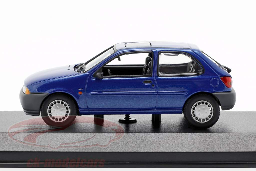 Ford Fiesta año de construcción 1995 azul metálico 1:43 Minichamps