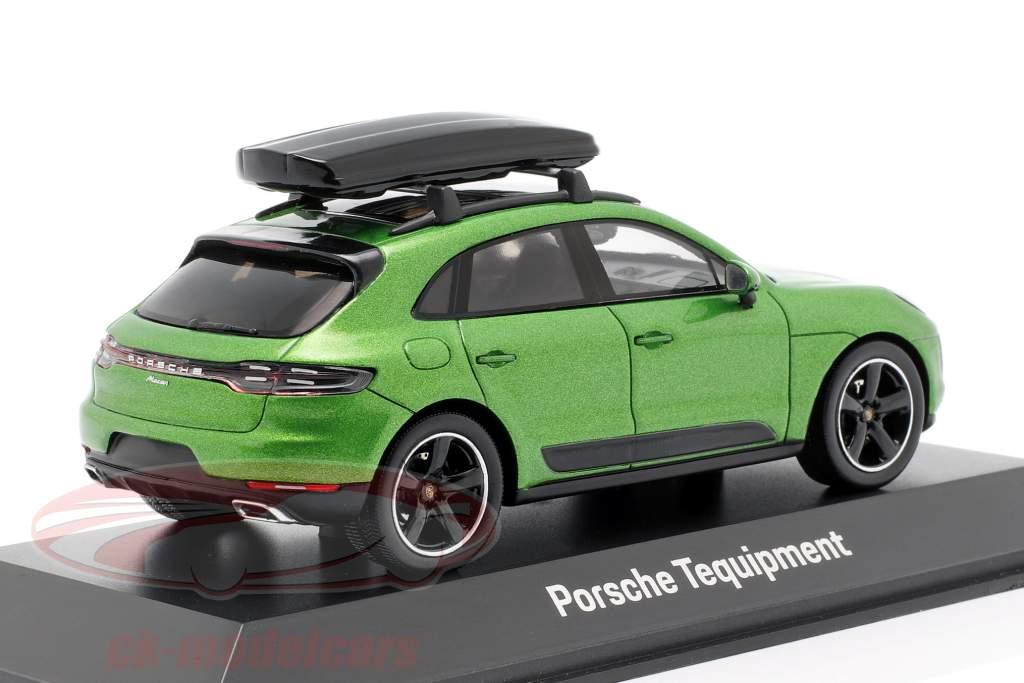 Porsche Macan S with roof box year 2018 mamba green metallic 1:43 Spark