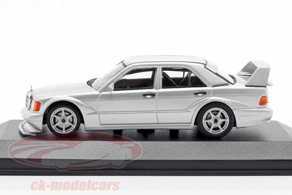 Mercedes-Benz 190E 2.5-16 EVO 2 Bouwjaar 1990 zilver 1:43 Minichamps