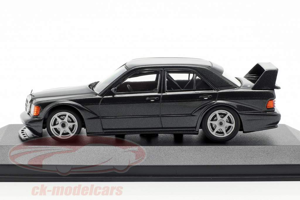Mercedes-Benz 190E 2.5-16 EVO 2 Opførselsår 1990 blå sort metallisk 1:43 Minichamps