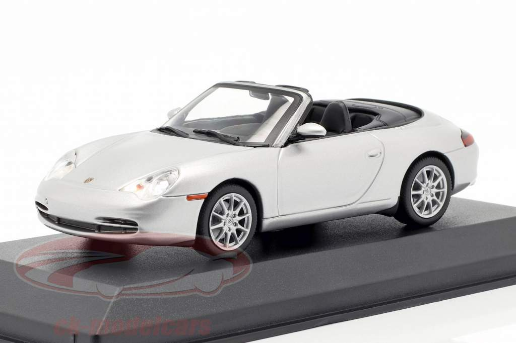 Porsche 911 (996) Cabriolet Opførselsår 2001 sølv 1:43 Minichamps