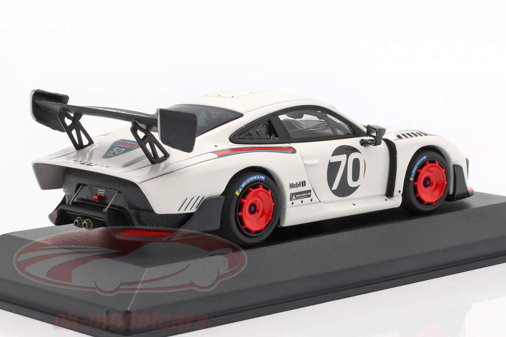 Porsche 935 #70 Spectrum Edition GT2 RS auf Basis 911 991.2 1:43 Minichamps