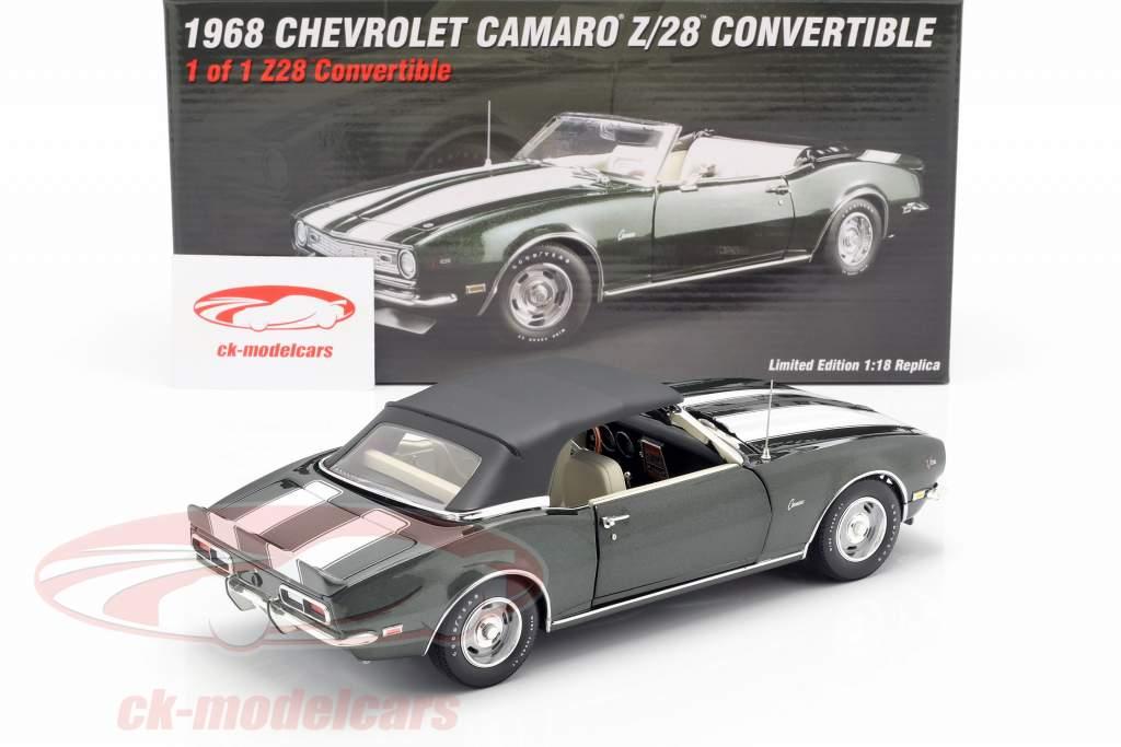 Chevrolet Camaro Z/28 Cabriolet Opførselsår 1968 grøn metallisk / hvid 1:18 GMP