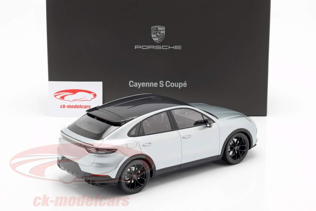 Porsche Cayenne S Coupe 2019 dolomit sølv 1:18 Norev