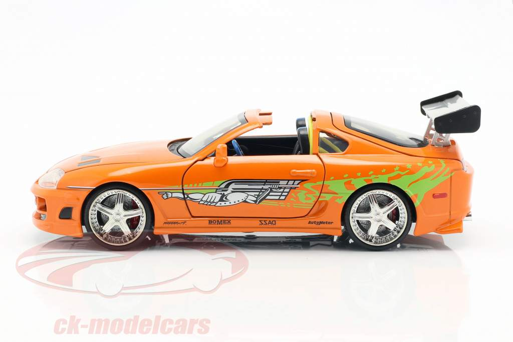 Brian's Toyota Supra 1995 película Fast & Furious (2001) con figura 1:24 Jada Toys