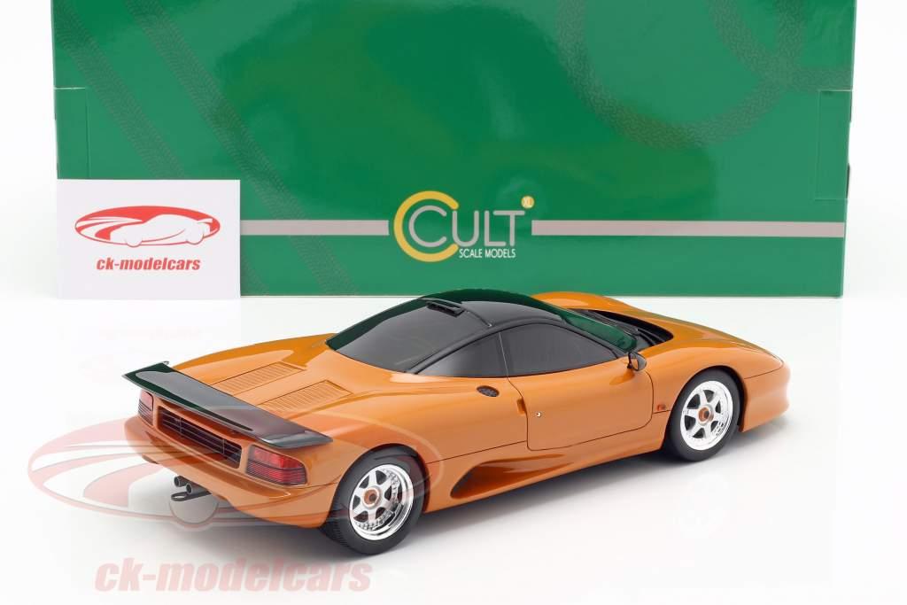 Jaguar XJR-15 Bouwjaar 1990 oranje metalen 1:18 Cult Scale
