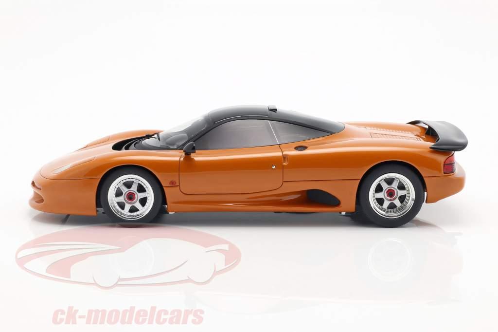Jaguar XJR-15 année de construction 1990 orange métallique 1:18 Cult Scale