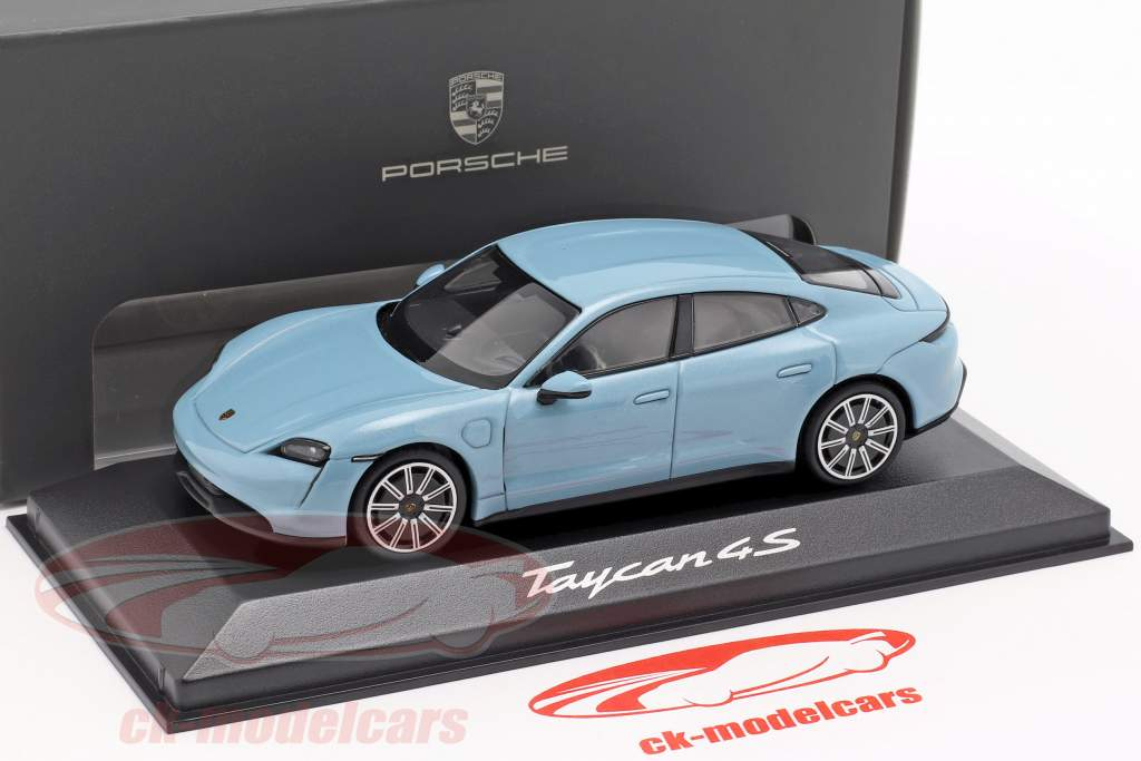Porsche Taycan 4S Opførselsår 2019 frosne blå metallisk 1:43 minichamps