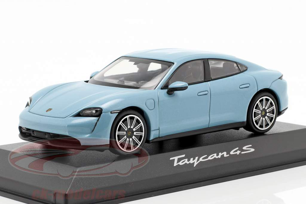 Porsche Taycan 4S Baujahr 2019 frostblau metallic 1:43 minichamps