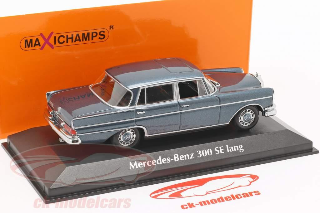 Mercedes-Benz 300 W112 SE lang ano de construção 1963 azul metálico 1:43 Minichamps