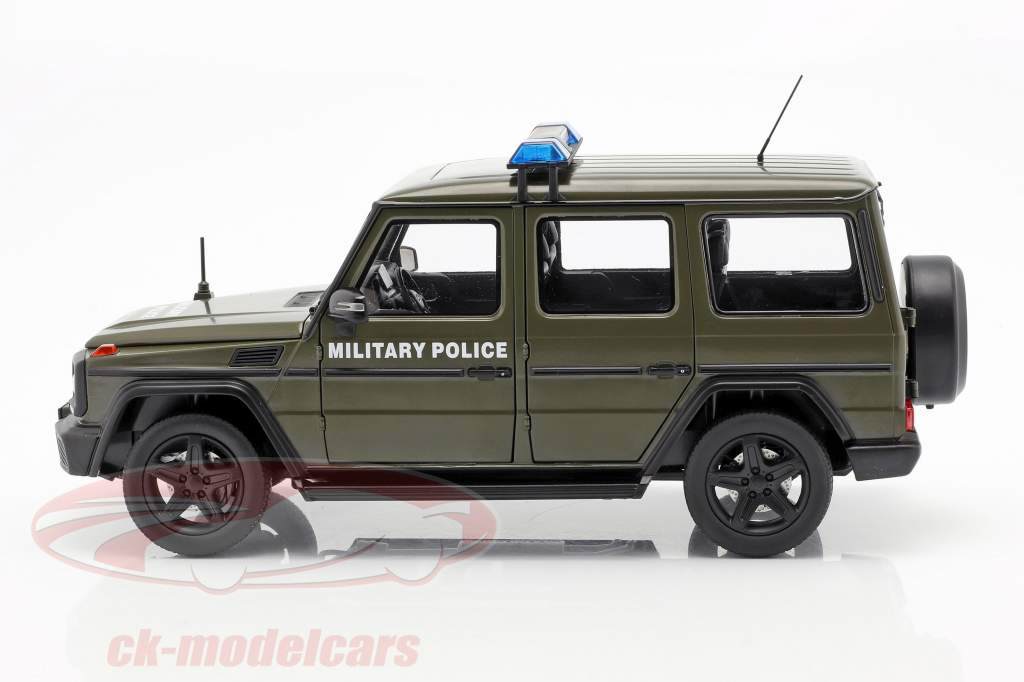 Mercedes-Benz G-Class (W463) 2015 military police 1:18 iScale