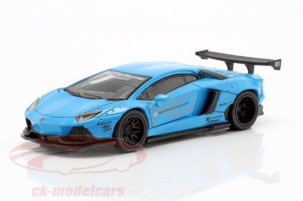 LB Works Lamborghini Aventador LHD azul claro 1:64 True Scale
