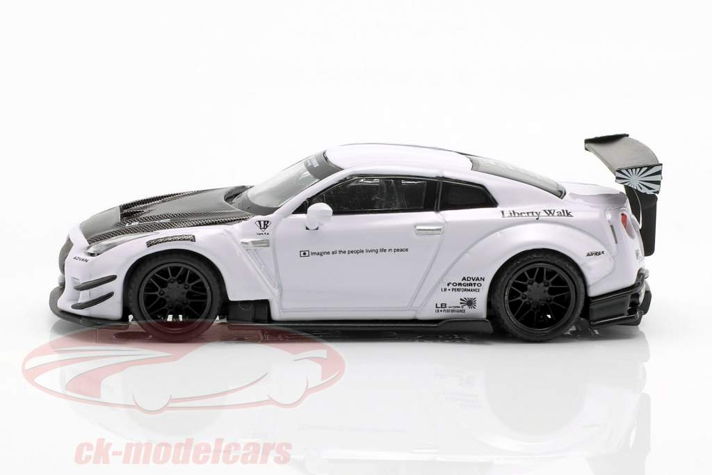 LB Works Nissan GT-R (R35) type 2 LHD blanc 1:64 True Scale