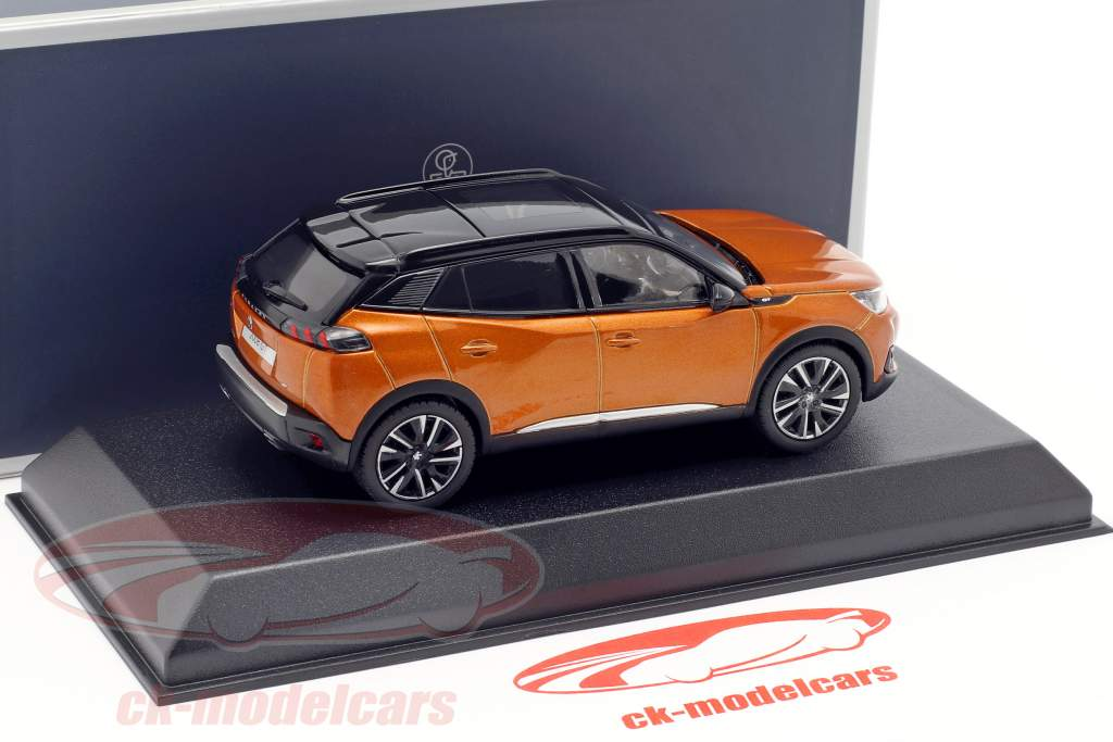 Peugeot 2008 GT ano de construção 2020 laranja metálico / preto 1:43 Norev