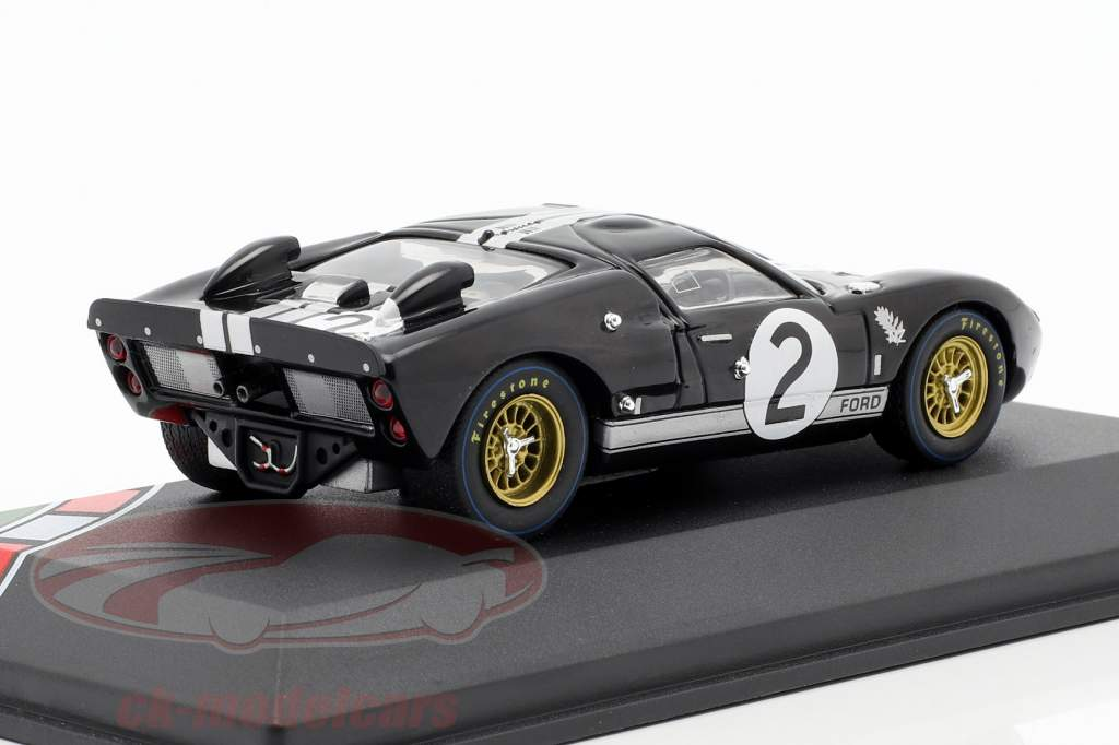 Ford GT40 MK II #2 gagnant 24h LeMans 1966 McLaren, Amon 1:43 CMR
