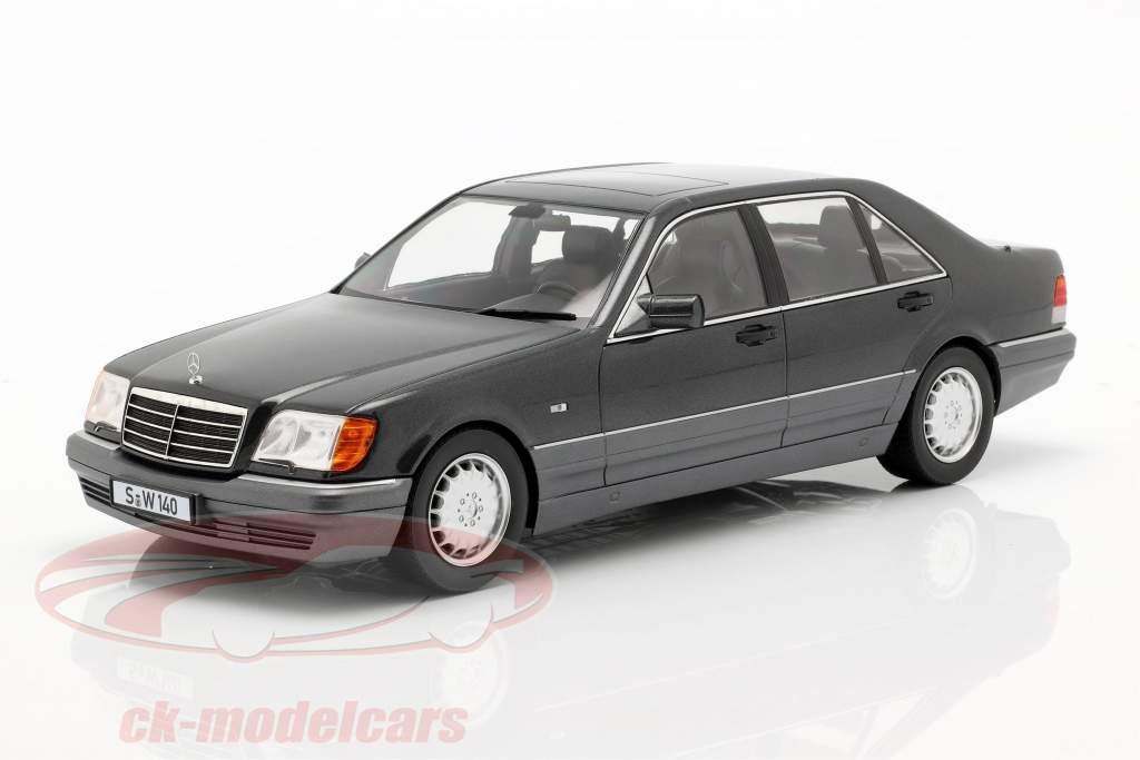 Mercedes-Benz S500 (W140) ano de construção 1994-98 cinza escuro metálico / cinza 1:18 iScale