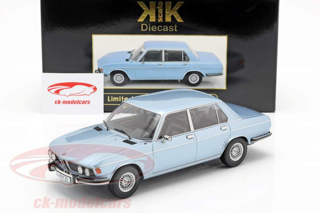 BMW 3.0S E3 série 2 année de construction 1971 bleu clair 1:18 KK-Scale