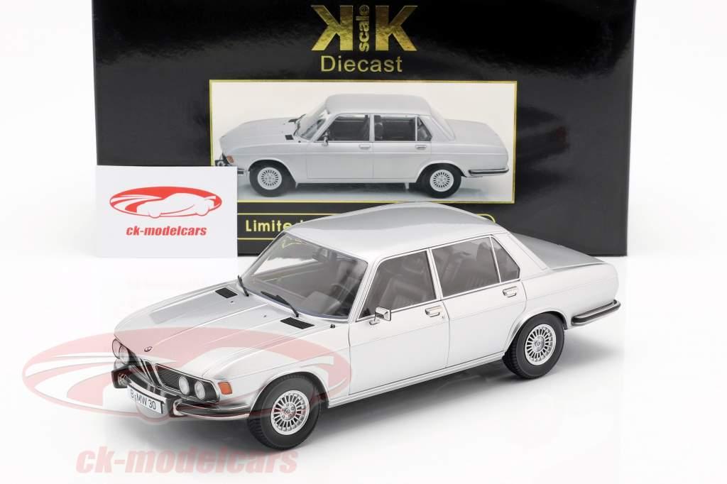 BMW 3.0S E3 serie 2 año de construcción 1971 plata 1:18 KK-Scale