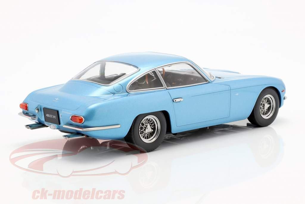 Lamborghini 400 GT 2+2 Baujahr 1965 azul claro metallic 1:18 KK-Scale