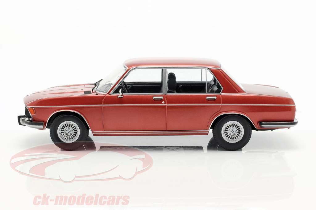 BMW 3.0S E3 serie 2 anno di costruzione 1971 marrone metallico 1:18 KK-Scale