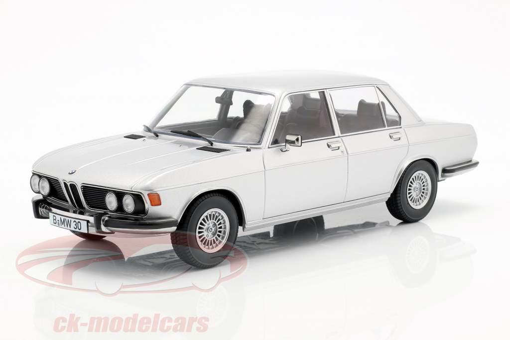 BMW 3.0S E3 series 2 year 1971 silver 1:18 KK-Scale
