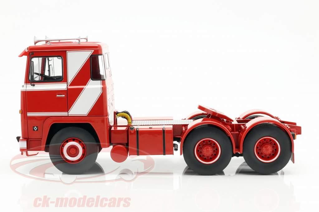 Scania LBT 141 Sattelzugmaschine Baujahr 1976 rot / weiß 1:18 Road Kings
