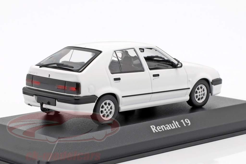 Renault 19 Baujahr 1995 weiß 1:43 Minichamps