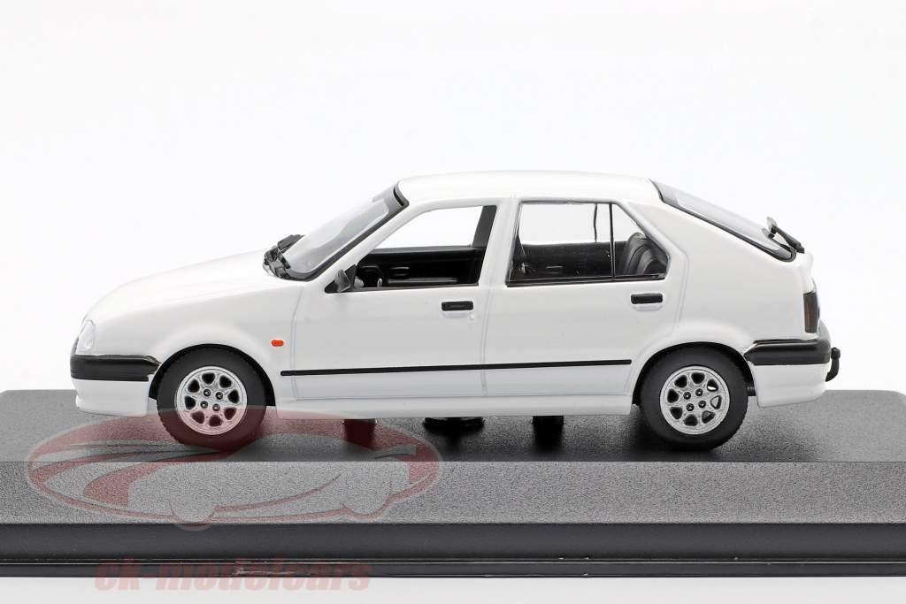 Renault 19 year 1995 white 1:43 Minichamps
