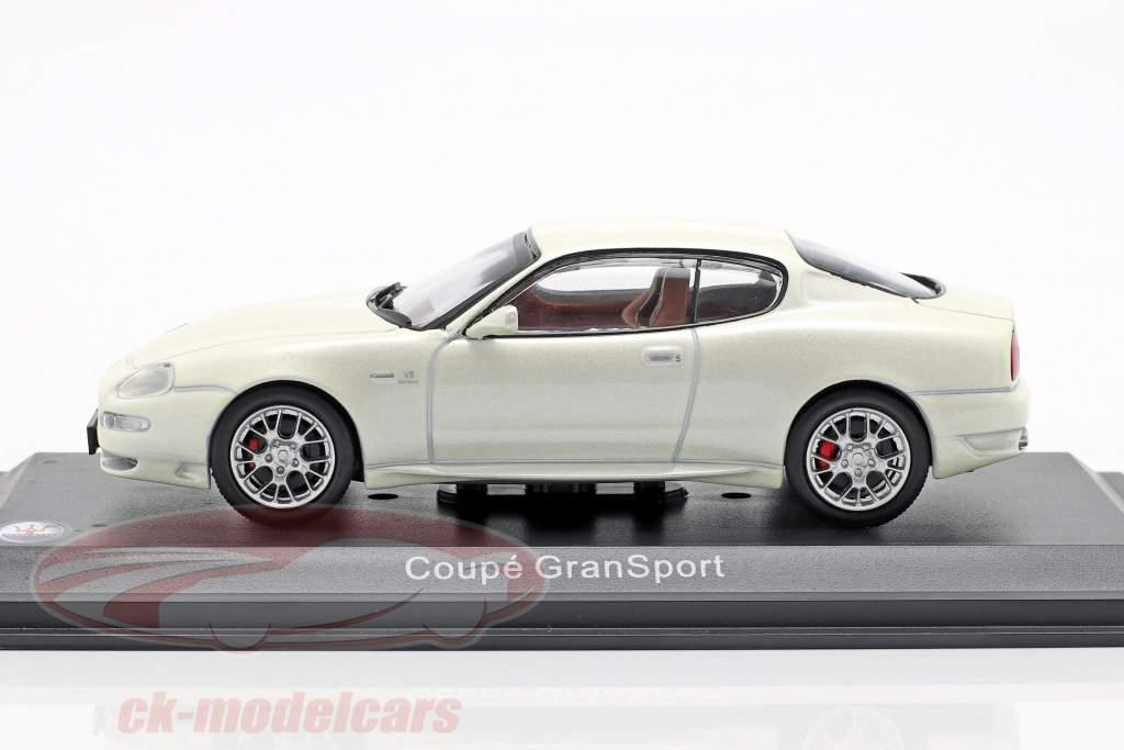 Maserati Coupe GranSport year 2004 white metallic 1:43 Altaya
