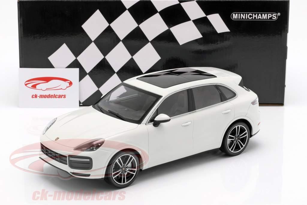 Porsche Cayenne Turbo S Opførselsår 2017 hvid 1:18 Minichamps