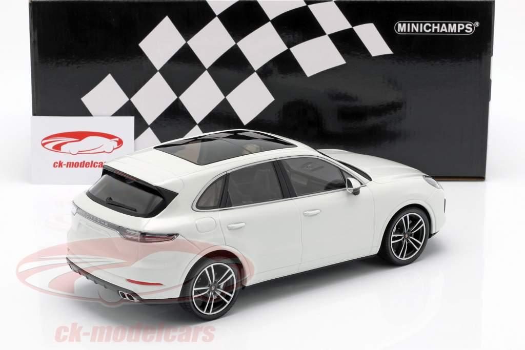 Porsche Cayenne Turbo S ano de construção 2017 branco 1:18 Minichamps
