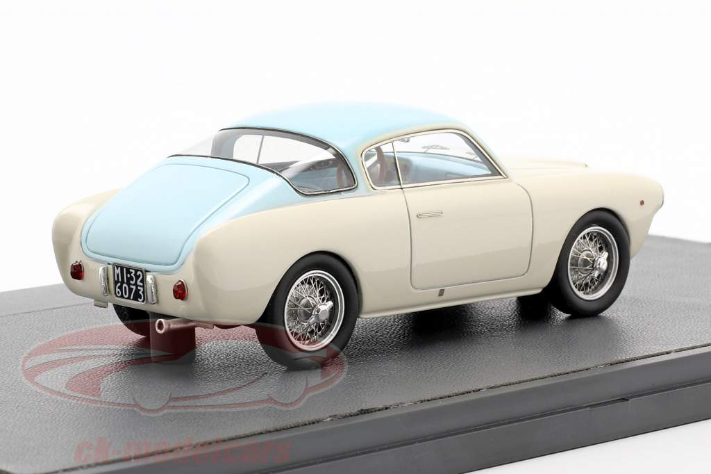 Cisitalia 33DF Voloradente Coupe 1954 blanc / bleu clair 1:43 Matrix