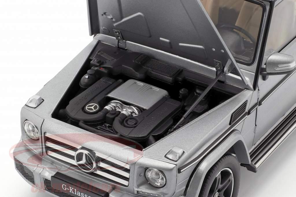Mercedes-Benz G-Class (W463) año de construcción 2015 designo platino magno 1:18 iScale
