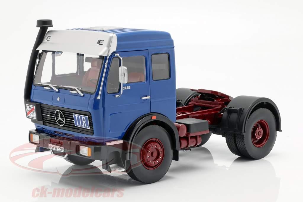 Mercedes-Benz NG 1632 trekker Bouwjaar 1973 blauw / rood 1:18 Road Kings