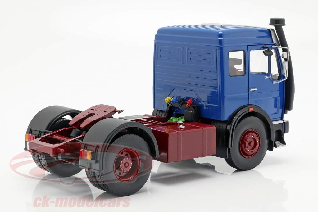 Mercedes-Benz NG 1632 tracteur année de construction 1973 bleu / rouge 1:18 Road Kings