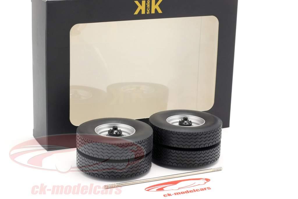 Felgen und Reifen Set mit Achse grau 1:18 Road Kings
