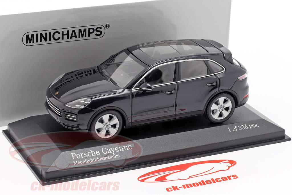 Porsche Cayenne Opførselsår 2017 mørkeblå metallisk 1:43 Minichamps