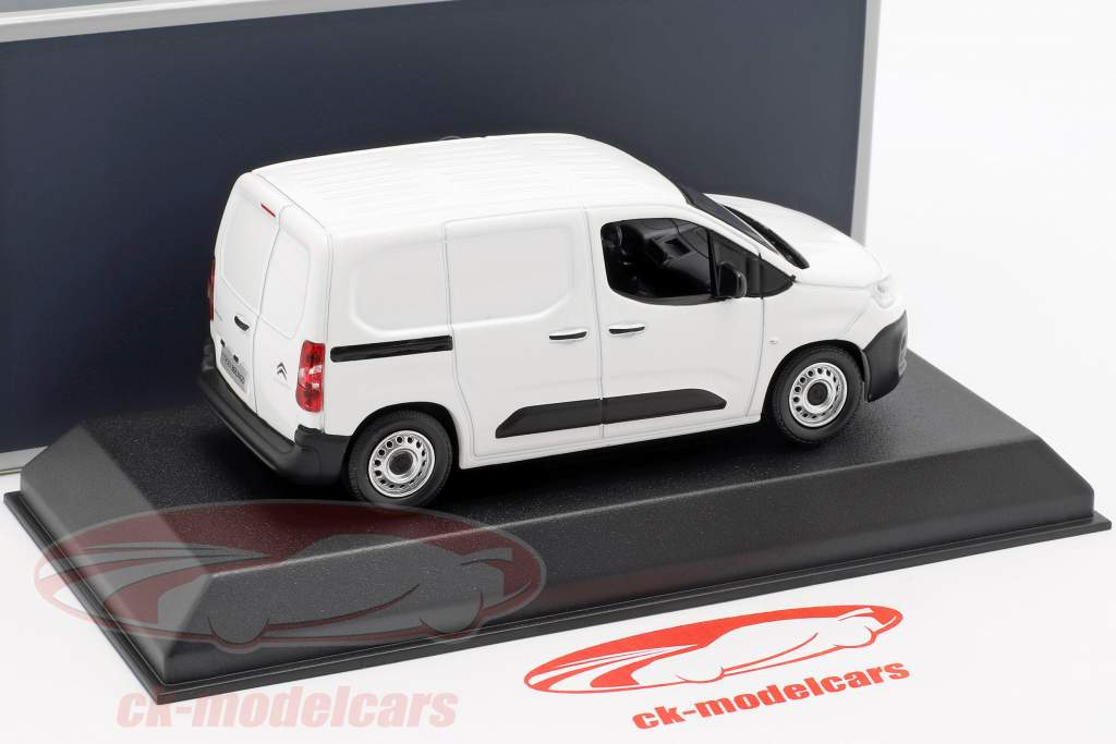 Citroen Berlingo van  year 2018 white 1:43 Norev