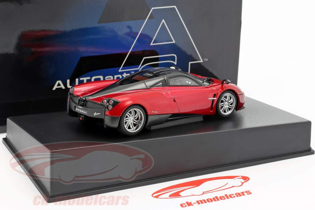 Pagani Huayra år 2011 rød metallic 1:43 AUTOart