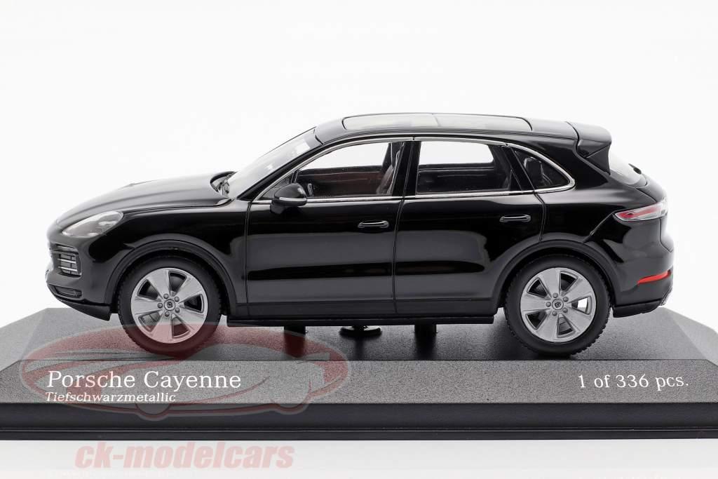 Porsche Cayenne Opførselsår 2017 dybsort metallisk 1:43 Minichamps