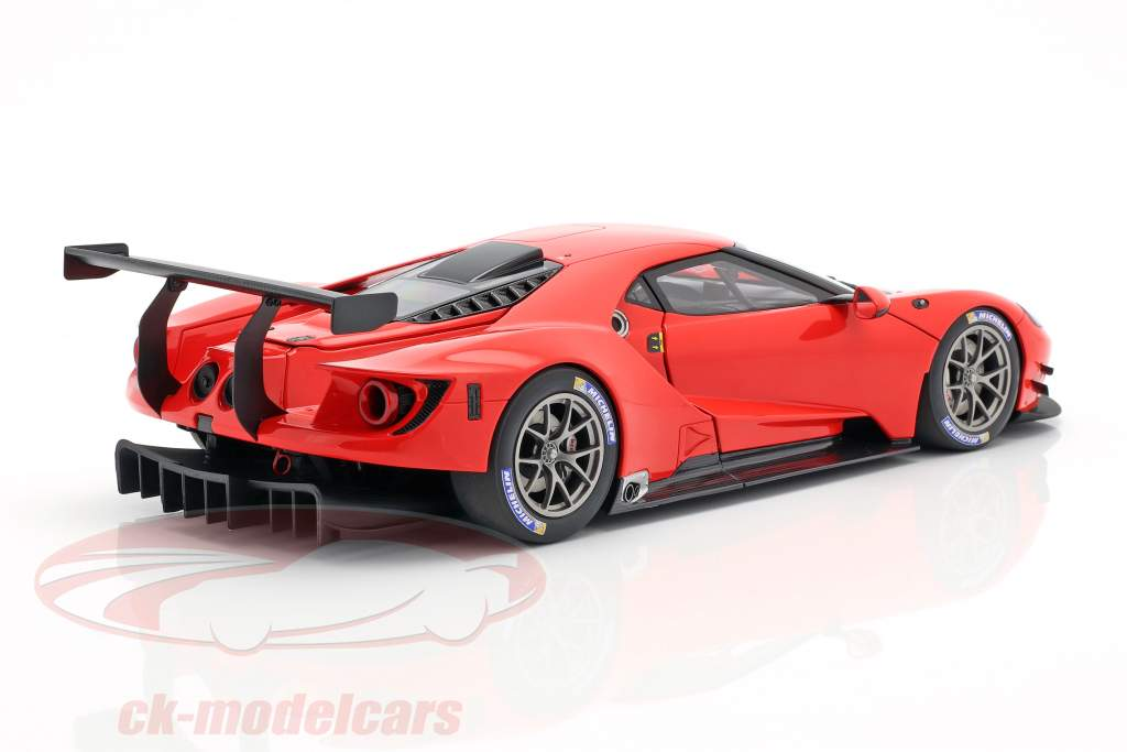 Ford GT LeMans Plain Body Version rosso 1:18 AUTOart