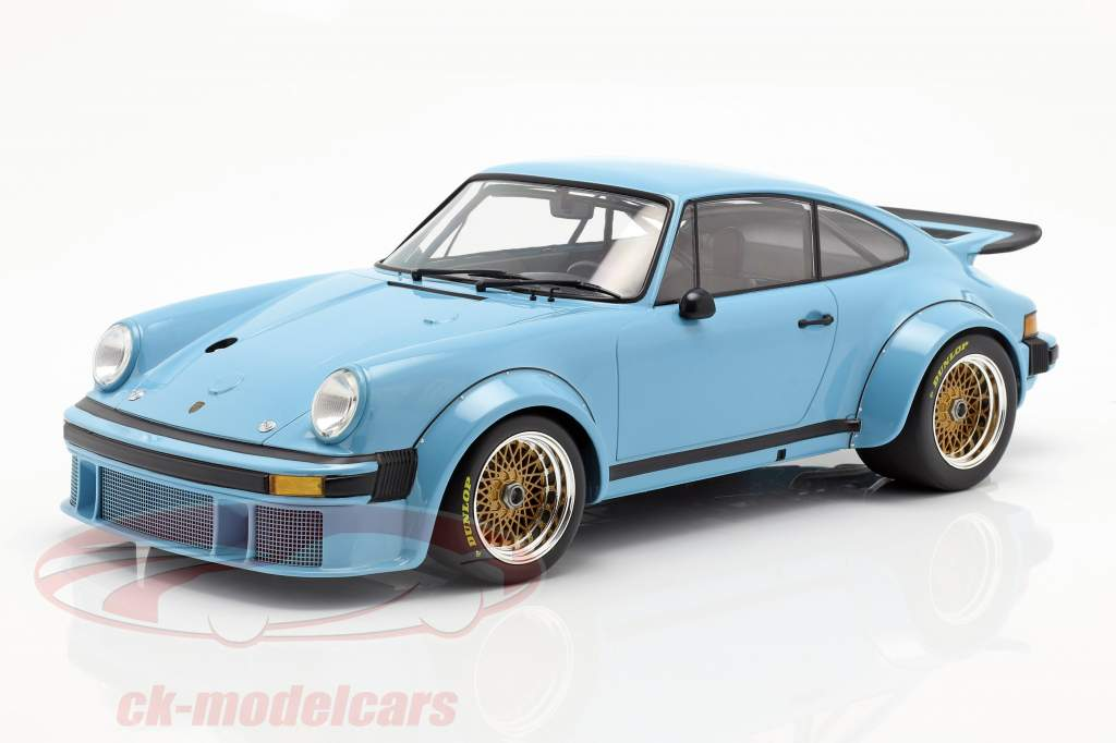 Porsche 934 Baujahr 1976 blau 1:12 Minichamps