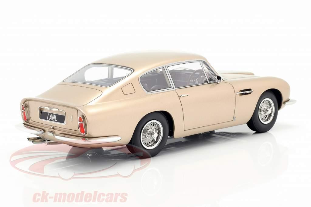 Aston Martin DB6 año de construcción 1964 oro metálico 1:18 Cult Scale