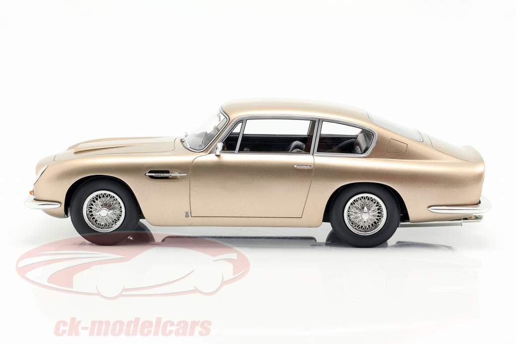 Aston Martin DB6 Baujahr 1964 gold metallic 1:18 Cult Scale